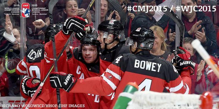 #WJC2015 #MTL | @max_domi gets one past @tdemko30 and sends the Bell Centre crowd into a frenzy! @HC_Men 1 - @usahockey 0 #CANvsUSA / #CMJ2015 | #Canada 1/#USA 0 Max Domi inscrit le 1er but du match sur une passe de Sam Reinhart.  #CANvsUSA #USAvsCAN