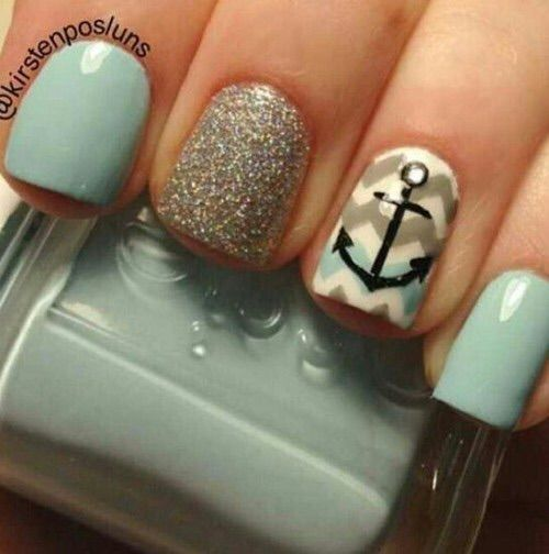Image via We Heart It https://weheartit.com/entry/165560349 #chevron #grey #hand #manicure #nails #sea #teal #white