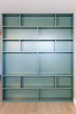 platsbyggd bokhylla?