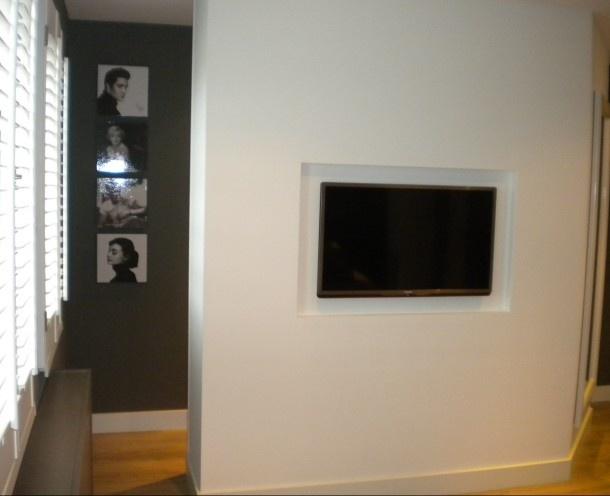 Slaapkamer met inloop kast en tv ! Project ASN Interieurstyling Door ClaudiavanUnen