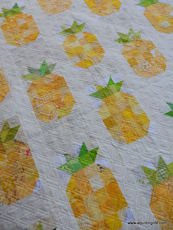 Pineapple Quilt Finish | A Quilting Life - a quilt blog