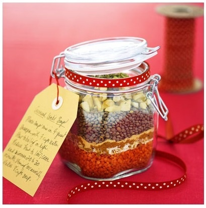 DIY dry soup mix. Great to keep a few for emergencies too! and other Mason Jar Gift Ideas