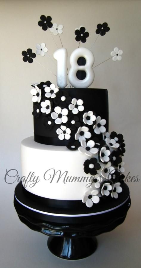 Melissa - Elegant black and white cake by CraftyMummysCakes (Tracy-Anne) https://www.facebook.com/CraftyMummysCakes