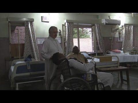 Una monja navarra de 83 años cumple casi cuatro décadas en Pakistán, con los niños y enfermos pobres - ReL