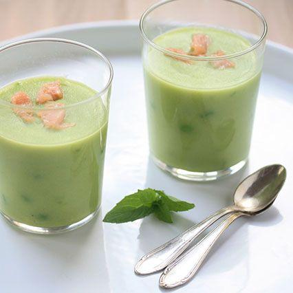 Zuppa di piselli, menta e salmone