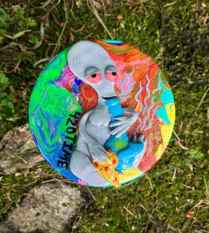 Chill Roger Stash Jar #Cannabisart #cannabis #marijuana #marijuanaart #weed #weedart #rainbow #handpainted #handmade #polymerclay #artwork #k80artwork #rainbow #trippy #roger #americandad #americandadroger