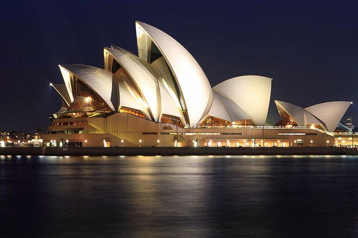 Sidney opera house (Australia) ... cheap hotels in #Sidney #Australia http://holipal.com/hotels/
