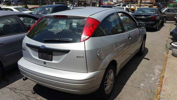 2006 ford focus zx3 cash price 5400.00 or 800.00 down