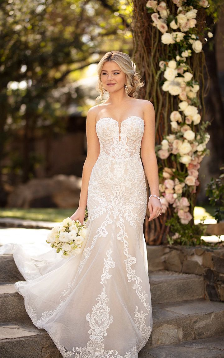 Classic Romantic Fall 2019 Essense Of Australia Wedding Dresses Modwedding Strapless Wedding Dress Jewelry Essense Of Australia Wedding Dresses Strapless Lace Wedding Dress [ 1148 x 720 Pixel ]