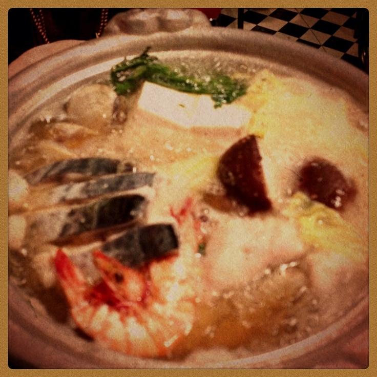 【33】寄せ鍋!、締めは「雑炊」で。    鍋!、締めは「雑炊」派?、「うどん」派?。  僕は「雑炊」派です。    http://rooType.com