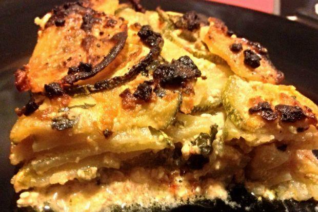 Το συγκεκριμένο φαγητό γίνεται μόνο στα Χανιά με πρωταγωνιστικό ρόλο τη χανιώτικη ξινομυζήθρα της οποίας η ποιότητα καθορίζει το αποτέλεσμα. Το μπουρέκι τρώγεται εύκολα ακόμη και για πρωινό (για τους τύπους του αλμυρού) ενώ η προετοιμασία του είναι απίστευτα απλή και γρήγορη.