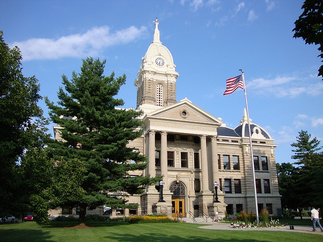 Ingham County Courthouse (Mason, Michigan) by courthouselover, via Flickr
