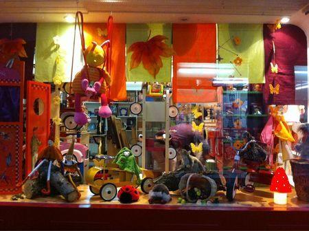 magasin de jouets le chat bleu valence dr me vitrines et enseignes pinterest. Black Bedroom Furniture Sets. Home Design Ideas