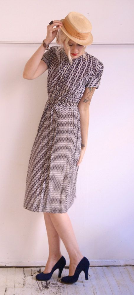 1940s Dress // Silky Stars // Vintage 40s Dress by dethrosevintage
