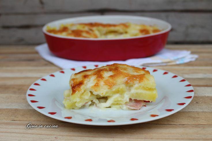 Lasagne di patate con cotto e mozzarella