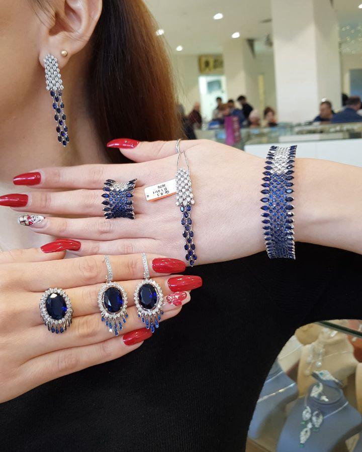 496 Likes 22 Comments Moskva Univermagi 2 Ci Mertebe Sansi Jewellery On Instagram Sapfir Sevənlər Pandora Charm Bracelet Pandora Charms Charm Bracelet