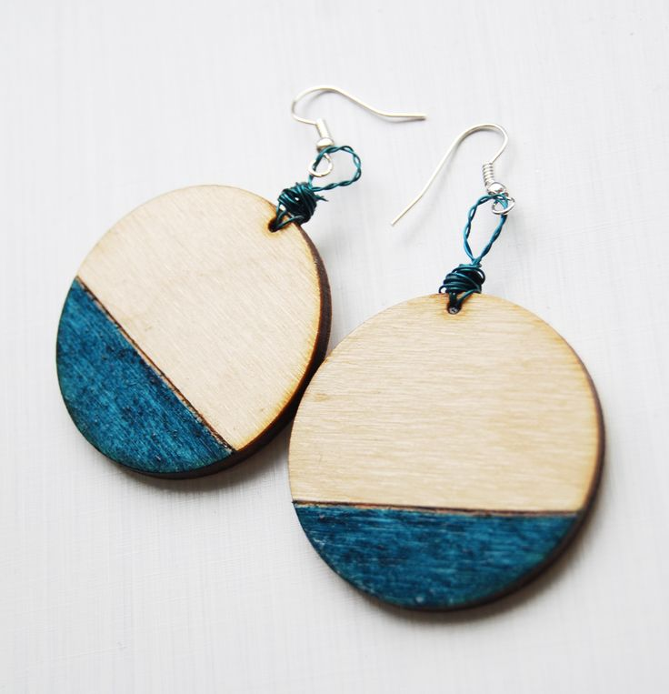 wood, wooden earrings, pyrography, pendientes, turquoise, blue