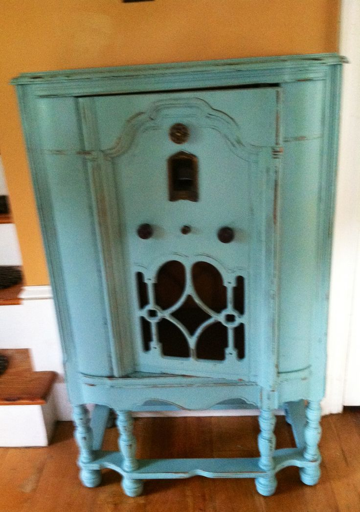 Old 1940 S Radio Cabinet Painted With Homemade Chalk Paint