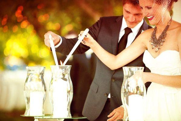 La unión de las velas como ritual de boda