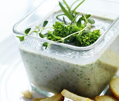 Recept: Svamp- och sellerisoppa med persilja