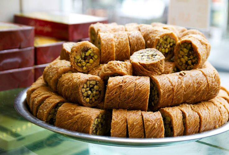 Get acquainted with Arabic sweets in Jordan