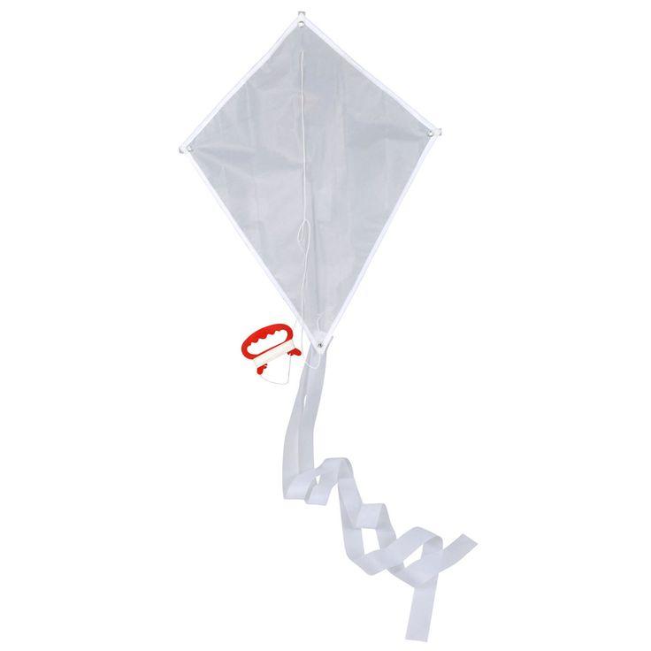 Geef de vlieger met lange staart een eigen ontwerp en kleur hem in met textielstiften. Daarna kun je je eigen zelf ontworpen vlieger oplaten! Afmeting:vlieger 38 x 49,5 cm Inclusief vliegertouw, wordt zonder stiften geleverd.  - Kleur je eigen Vlieger