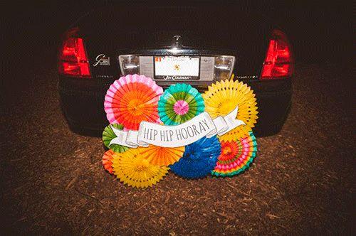 El coche de los novios   Con tacones y de boda