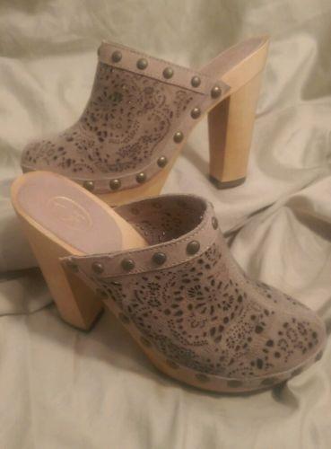 49.49$  Watch here - http://vifyx.justgood.pw/vig/item.php?t=4bm9ekz18556 - ASH Italia Women's shoes Spicy mule/heels beige Cutout Suede studs 37/ 6.5-7 US 49.49$