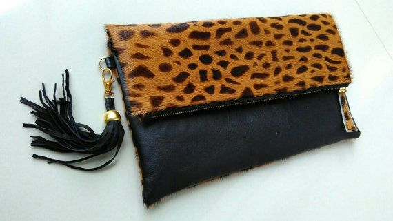 Pochette en léopard avec pompon, replier pochette imprimé léopard, replier pochette en cuir, léopard veau cheveux pli ove embrayage, embrayage léopard