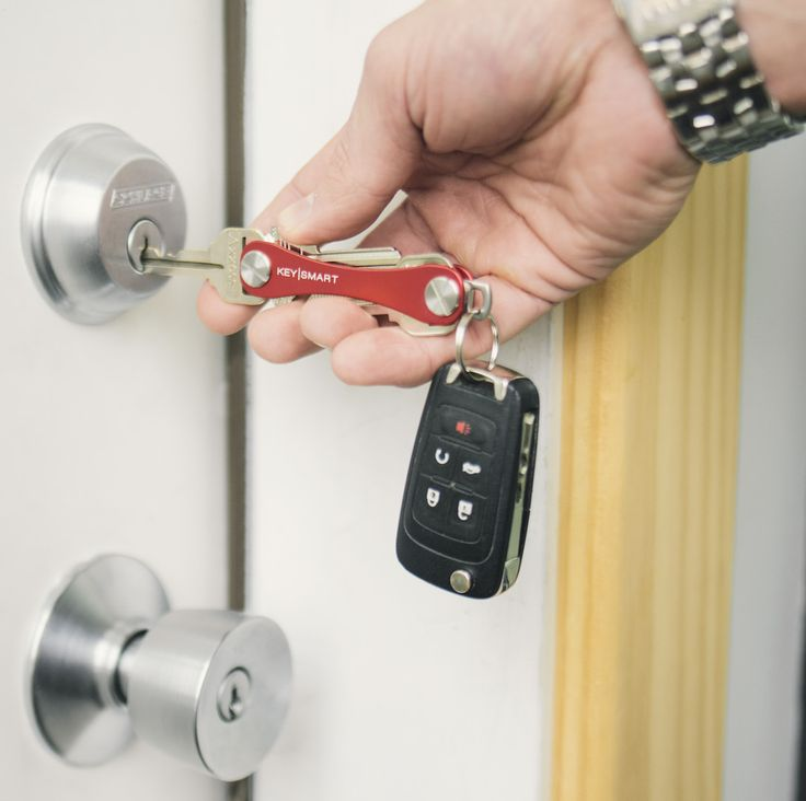 Easy-to-use key organizer. Simple, sleek design that fits right in your pocket. Avoid bulky, noisy keys.