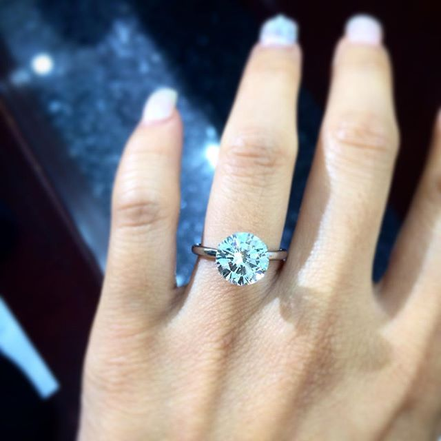 5ct Round Diamond Solitaire 5ct Round Roundcut Diamond Engagementring Solitaire Roundsolit Beautiful Engagement Rings Jewelry Wedding Rings Engagement
