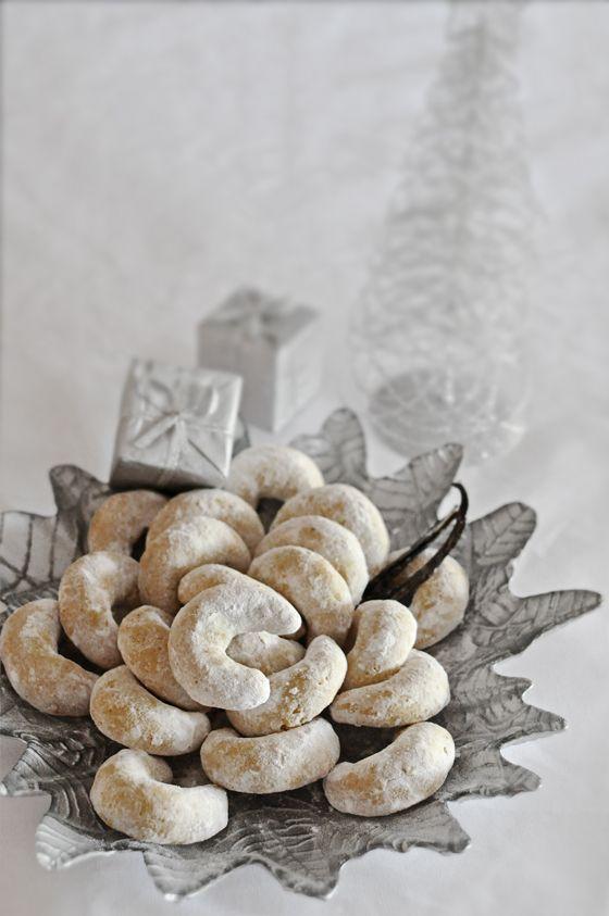Vanilla Crescents #croatian #food #Cookies www.casademar.com