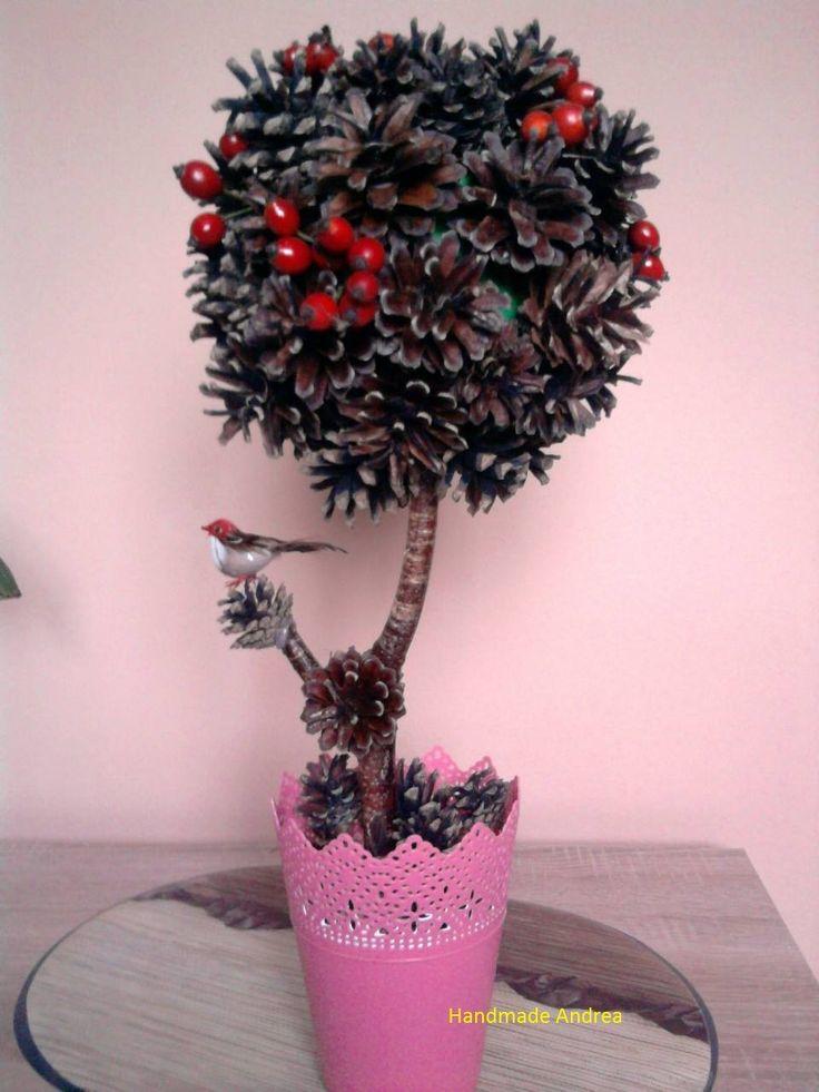 Jesenna dekoracia zo šišiek