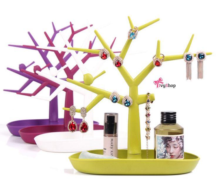 Árvore rack para bijuterias. Ajuda a manter a organização e decora com muita criatividade e estilo!    Disponível em: www.ivyshop.com.br    #rack #bijuteria #bijuterias #display #árvore #anel #brinco #pulseira #colar #colares #organização #casa #decoração #interiores #design