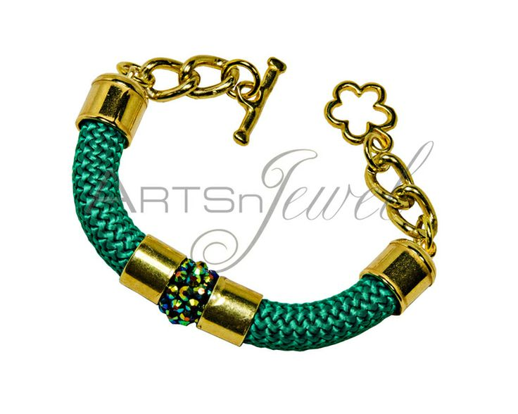 Green bracelet for women from Arts n' Jewel by DaWanda.com. €15