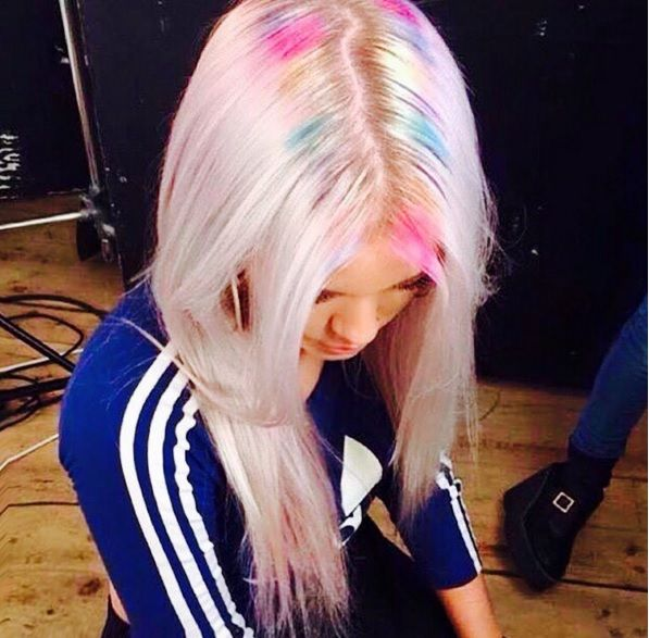 Hairstyle Trends 2016, 2017, 2018: Move Over Ombre, The New Hair Color Look Is Rainbow Roots – How To Get