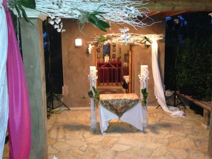 Εξωτερικοί χώροι στο κτήμα Δικαιούλια, εκκλησάκι Αγίου Δημητρίου