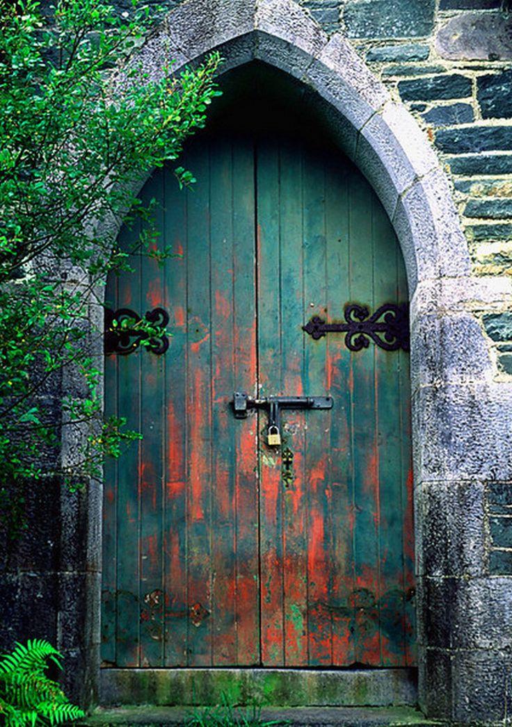 просим картинки на двери и ворота изделия серебром изготавливаются