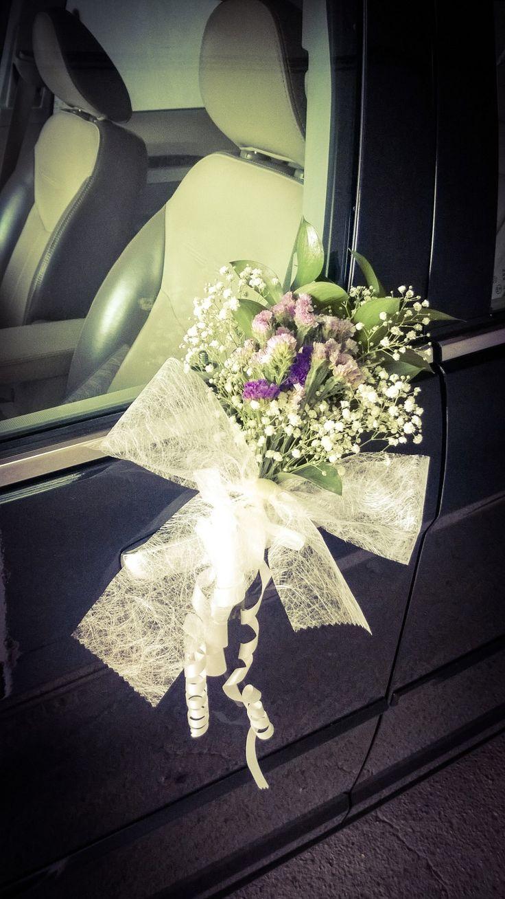 Decoraci n puerta del coche de novios detalle floral con ruscus estatice paniculata boda - Decoracion coche novia ...