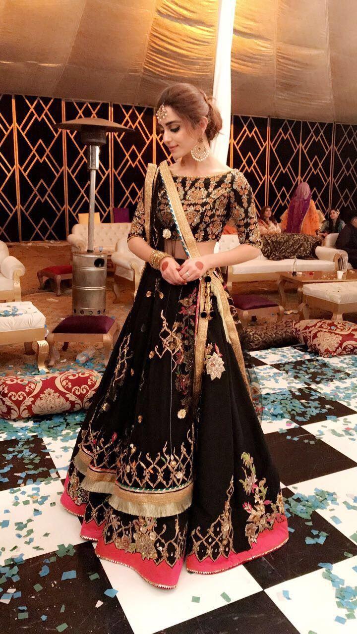 #mayaali shines bright in this beautiful lehanga choli by @mohsin.naveed.ranjha at her friends Mehndi  Jewelry: @samreenvance #pakistaniweddings #mohsinnaveedranjha #couture