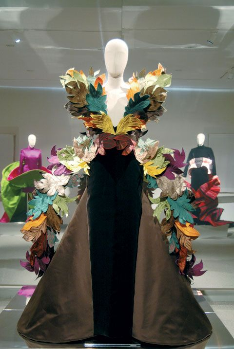 Fashion designer/sculptor Roberto Capucci designs from retrospective @ Philadelphia Museum of Art.  Incredible work !