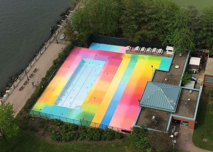 A Rainbow Pool Brightens Up Summer In NYC – iGNANT.de