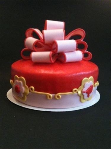 Enkele voorbeelden van sjieke strik taarten : Pip stijl taart met vogeltjes