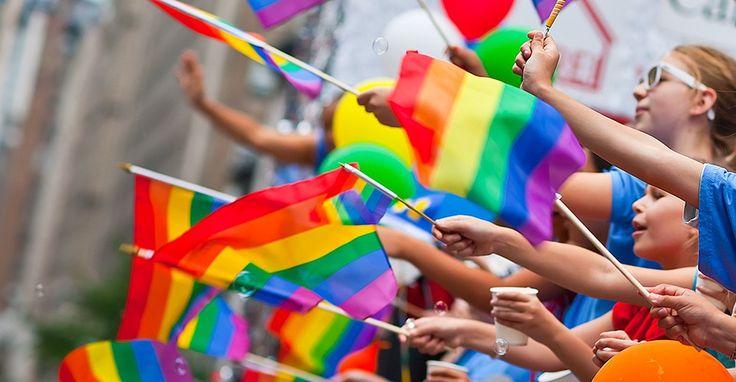 Hoje (28/06) é o dia do Orgulho Gay. Apesar da situação dos(as) homossexuais ainda estar muito longe do ideal, é preciso admitir que houve…