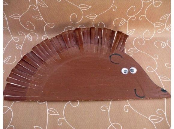 Paper plate hedgehogs #autumncrafts #autumncraftsforkids #craftsforkids