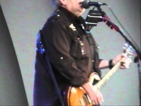 Rare Johnny Winter and Leslie West jam - Red House. - YouTube