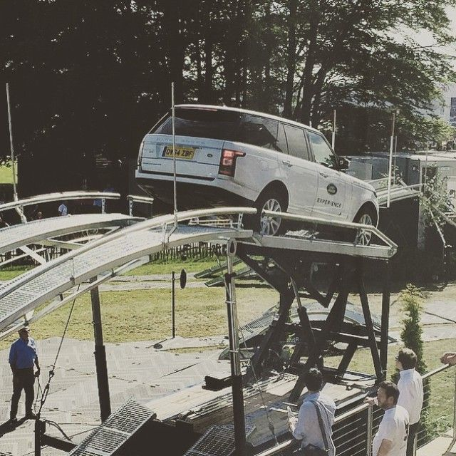 "7,602 aprecieri, 34 comentarii - Land Rover (@landrover) pe Instagram: ""The #LandRoverExperience is at @FOSGoodwood Festival of Speed this weekend for you to try out…"""
