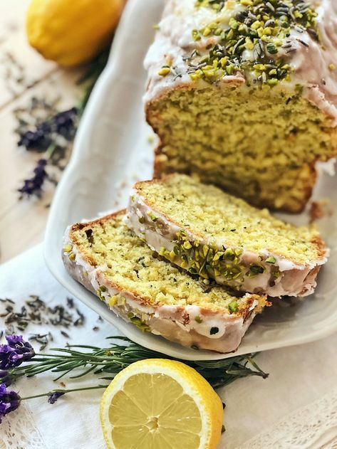 Zucchini-Zitronen Kuchen mit Pistazien-Lavendel-Zuckerguss   Fashion Kitchen