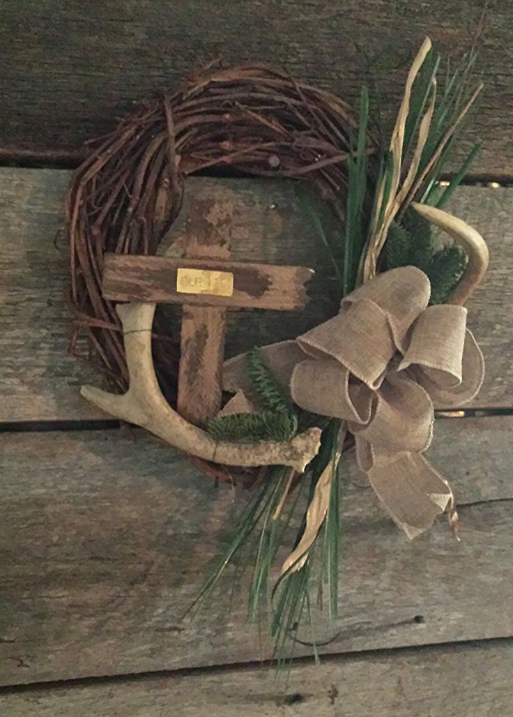 12 grapevine wreath with authentic whitetail deer antler for Fake deer antlers for crafts