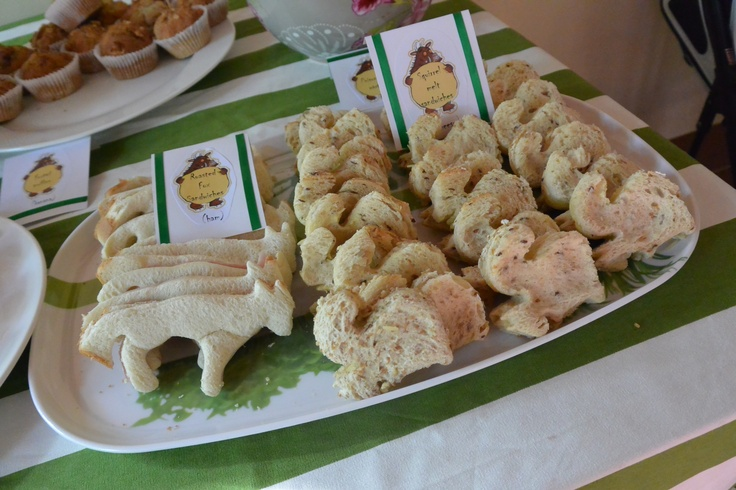 Gruffalo party: roasted fox & squirrel melt sandwiches (ham/cheese)